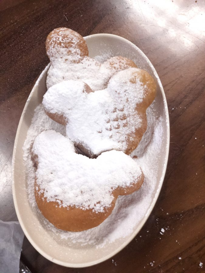 Beignets {Port Orleans French Quarter}
